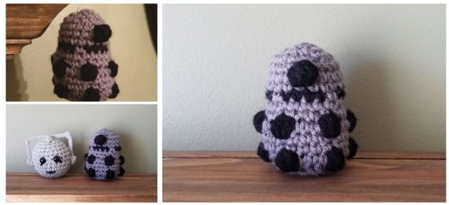 Mini crochet Dalek robot